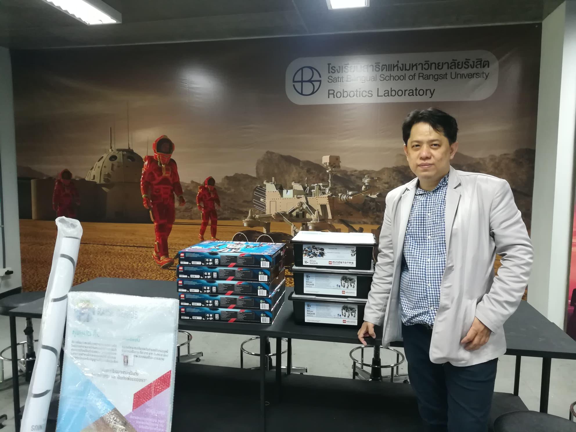 เรสจีเนียสสคูล จัดห้องเรียนหุ่นยนต์ (lego robot lab) ที่โรงเรียน สาธิตแห่งมหาวิทยาลัยรังสิต Satit Bilingual School of Rangsit University